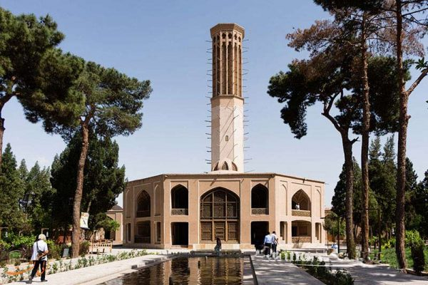 دانلود پاورپوینت معماری بادگیر (نقش بادگیر در معماری ایرانی)