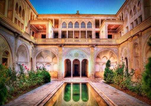 پاورپوینت خانه عباسیان کاشان - تحلیل کامل معماری مرمت ابنیه تاریخی
